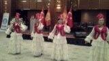 <p>Мааракелик салтанат кыргыз ыр-бийлери менен коштолду.</p> <p></p>