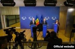 La conferința de presă de la Bruxelles