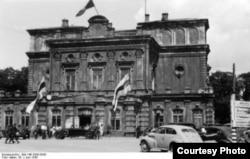 Менскі гарадзкі тэатар, 1943 год
