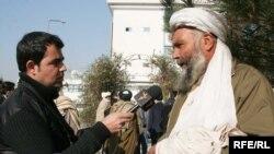 Афганский предприниматель дает интервью афганской службе РСЕ\PC