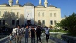 Türkmenistan 'düýpli alada döredýände' galýar