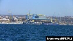 Промислові масиви на північній стороні Севастополя