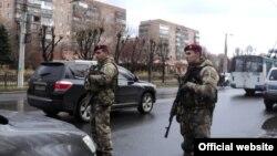 Патрулювання Краматорська у день виборів, Донеччина, 15 листопада 2015 року (фото з сайту МВС)