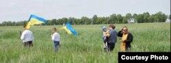 Нащадки депортованих у селі Вербиця