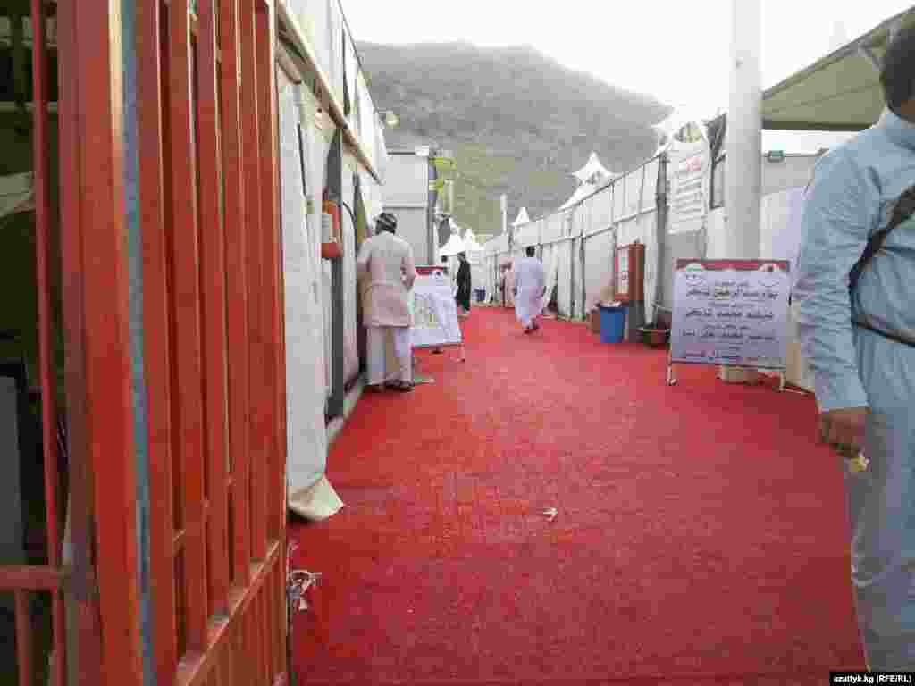 Pilgrims from abroad are regulated by quotas issued by the Saudi government. Here, Kyrgyz nationals use temporary facilities set up specifically for hajj pilgrims in Mecca. (Photo courtesy of Myktybek Arstanbek)