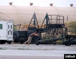 Американский солдат на базе Ханабад в Узбекистане.