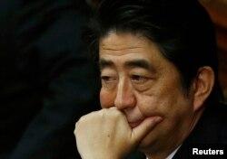 """Yaponiyanın baş naziri Shinzo Abe də terrorçularla danışıqlardan imtina edib. Bu günlərdə """"İslam dövləti"""" iki yapon girovu edam edib."""