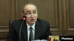 Armenia -- Robert Nazarian, the chairman of the Public Services Regulatory Commission, speaks in parliament, 17 June, 2014