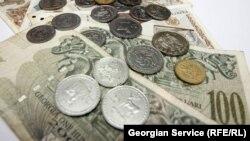 По словам Пааты Шешелидзе, инфляция – это грабеж, обесценивание покупательной способности и сбережений. Курс всегда устанавливается Государственным центральным банком, и имеющиеся у него резервы должны были поддерживать любой курс