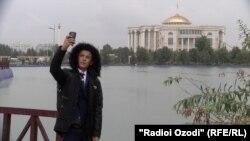 Сироҷиддин нахустин бор ба Душанбе омад.