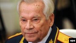 Михайло Калашников на святкуванні свого 90-го дня народження, 10 листопада 2009 року