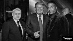 Twitter-дегі жалған аккаунтта жарияланған Өзбекстан президенттігіне кандидат Хатамжан Кетмонов пен (сол жақта) АҚШ-тың жаңадан сайланған президенті Дональд Трамптың (ортада) қатар тұрғанын бейнелейтін монтаждалған сурет.