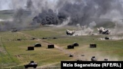 """ვაზიანის სამხედრო პოლიგონზე საჩვენებელი საველე-ტაქტიკური სწავლება, სახელწოდებით """"ისარი - 013"""" გაიმართა."""
