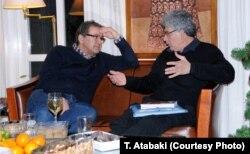 با نسیم خاکسار نویسنده سرشناس ایرانی