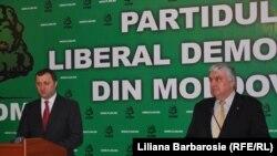 Vlad Filat și Serafim Urechean anunță fuziunea partidelor pe care le conduc