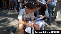 La fostul Consulat al României din str.Vlaicu Pârcălab
