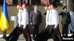 Петр Порошенко на параде в Киевском военном лицее