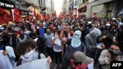Демонстранти в Стамбулі, 10 вересня 2013 року