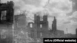 Разрушенный Севастополь во время Второй мировой войны (архивное фото)
