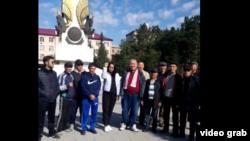 Активисты Караганды вышли в центр города в поддержку жителей Жанаозена. Караганда, 4 сентября 2019 года.