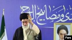 رهبر جمهوری اسلامی از واکنش برخی محافل داخلی در قبال مذاکره با امریکا نیز انتقاد کرده است.
