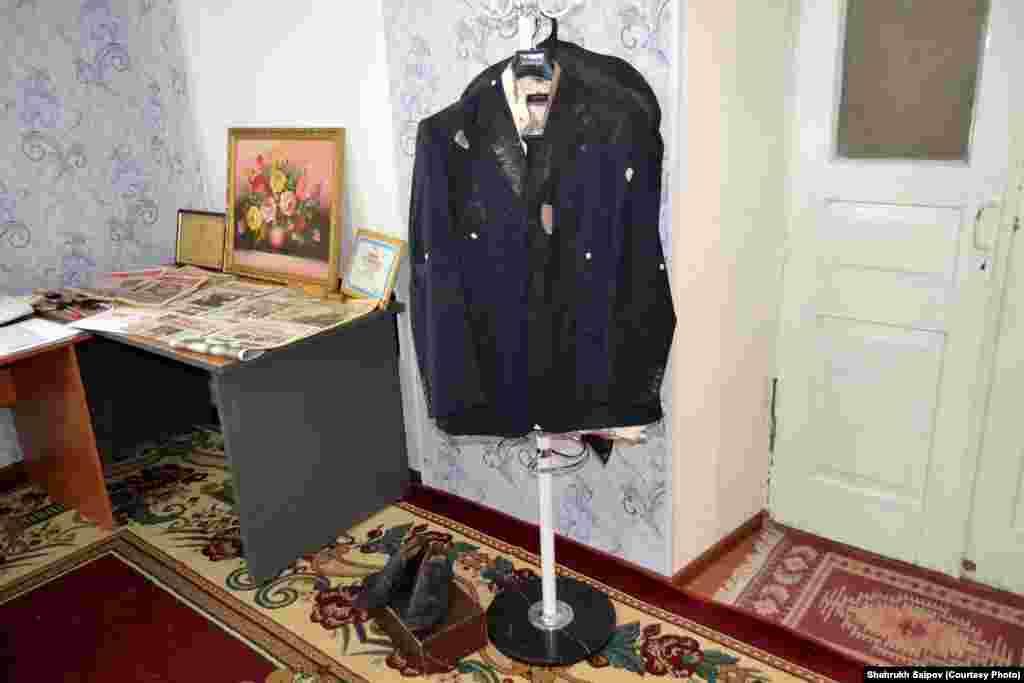 Одежда, которая была на Алишере Саипове в день убийства.
