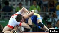 Айсулуу Тыныбекова менен финляндиялык Петра Оллинин чейрек финалдагы таймашы.
