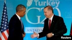 Новости Турция: США разделяют обеспокоенность продвижением курдов в Сирии Распечатать Поделиться: Ппрезидент США Барак Обама (слева) и президент Турции Реджеп Эрдоган. Анталия, Турция, 15 ноября 2015 года. Президент США Барак Обама (слева) и президент Турции Реджеп Эрдоган. Анталия, 15 ноября 2015 года.