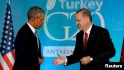 Барак Обама (слева) и Реджеп Таййип Эрдоган