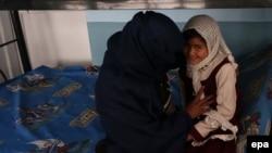 آرشیف، یک خانم معتاد به مواد مخدر در یکی از مراکز درمان معتادان در هرات