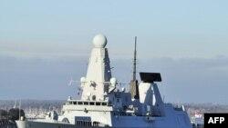 Razarač britanske ratne mornarice HMS Daring na putu ka Hormuškom tjesnacu, januar 2012.
