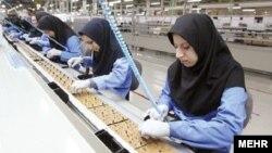 مشاور وزیر کشور در امور زنان و خانواده گفت: «نرخ مشارکت اقتصادی زنان در سال ۹۲، ١٢.٤ درصد بوده است.