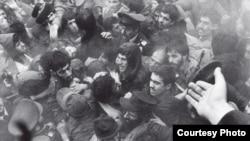 یکی از تجمعات انقلاب ۱۳۵۷ - عکس از رضا دقتی