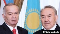 Президенты Ислам Каримов и Нурсултан Назарбаев в Астане. 22 апреля 2008 года.
