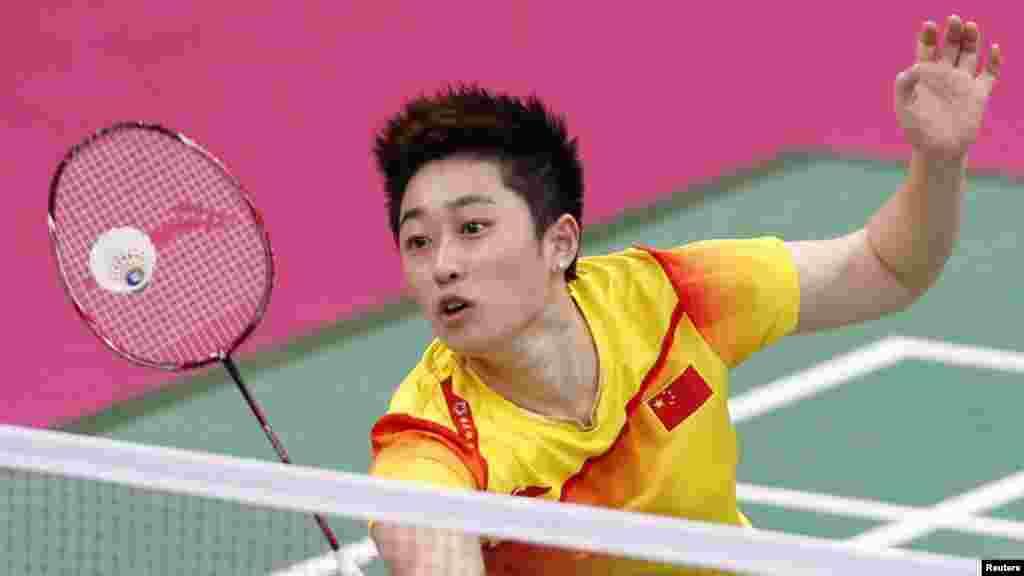 Çinli badminton ustasıYu Yang Cənubi Koreya yığmasına qarşı oyun zamanı