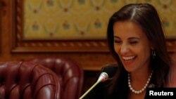 Dina Powell, pe cînd era adjuncta consilierului pentru securitate națională la Casa Albă, la o reuniune cu saudiții la Riad, 19 aprilie 2017
