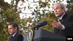 Раисони ҷумҳури Амрико ва Фаронса Ҷорҷ Буш ва Николя Саркозӣ дар Вашингтон, 07 ноябри 2007