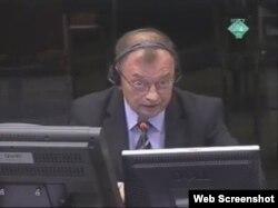 Manojlo Milovanović svjedoči na suđenju Radovanu Karadžiću, 05. ožujak 2012.