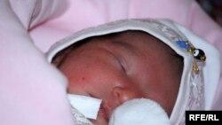 Жаңа туған нәресте. Ашхабад. 2010 жыл.