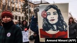Pamje nga një protestë e organizuar në Prishtinë për të drejtat e grave. Fotografi nga arkivi.