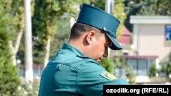 Сотрудник узбекской милиции.