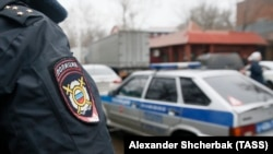 "Полиция на территории фабрики ""Меньшевик"""
