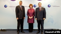 Хашим Тачі, Катрін Аштон і Івица Дачич у Брюсселі, на цьому архівному фото під час іншої зустрічі 19 лютого