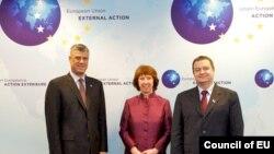 Hashim Thaçi, Catherine Ashon dhe Ivica Daçiq në Bruksel.