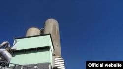 Сотрудники цементного завода в Бекабаде считают, что одной из причин трагедии является устаревшее оборудование.
