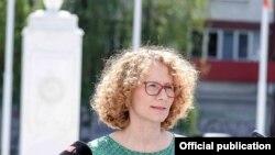 министерката за одбрана, Радмила Шекеринска