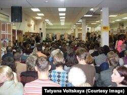 Послухати Андрія Макаревича прийшла велика кількість людей