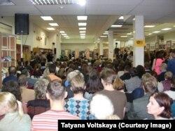 Послушать Андрея Макаревича пришло огромное количество людей