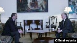 Էդվարդ Նալբանդյանի և Կարեն Միրզոյանի հանդիպումը Երևանում, արխիվ