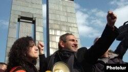 Армянской оппозиции больше не до митингов